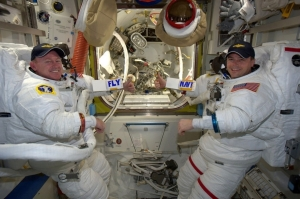 astronauts-aboard-the-iss